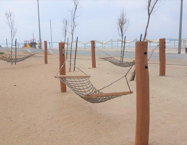 ערסל מעץ רוביניה- חוף לידו אשדוד