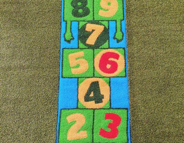 משחק רצפה לחצר בית הספר קלאס
