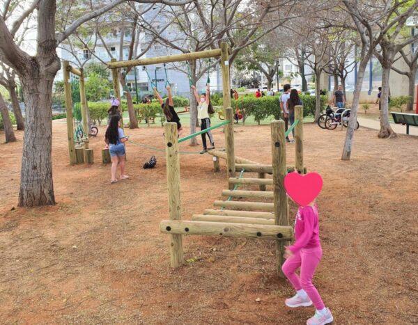 """מסלול נינגה  בגינה ציבורית  ע""""ש קרן טנדלר רחובות"""